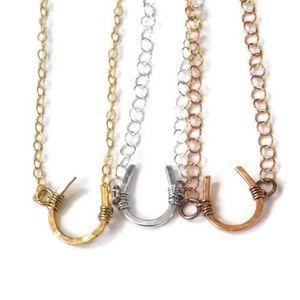 🔻𝐹𝒾𝓇𝓂🔻Horseshoe necklace